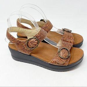 ALEGRIA Women's MORGAN TABACCO LEAF Comfort Sandal